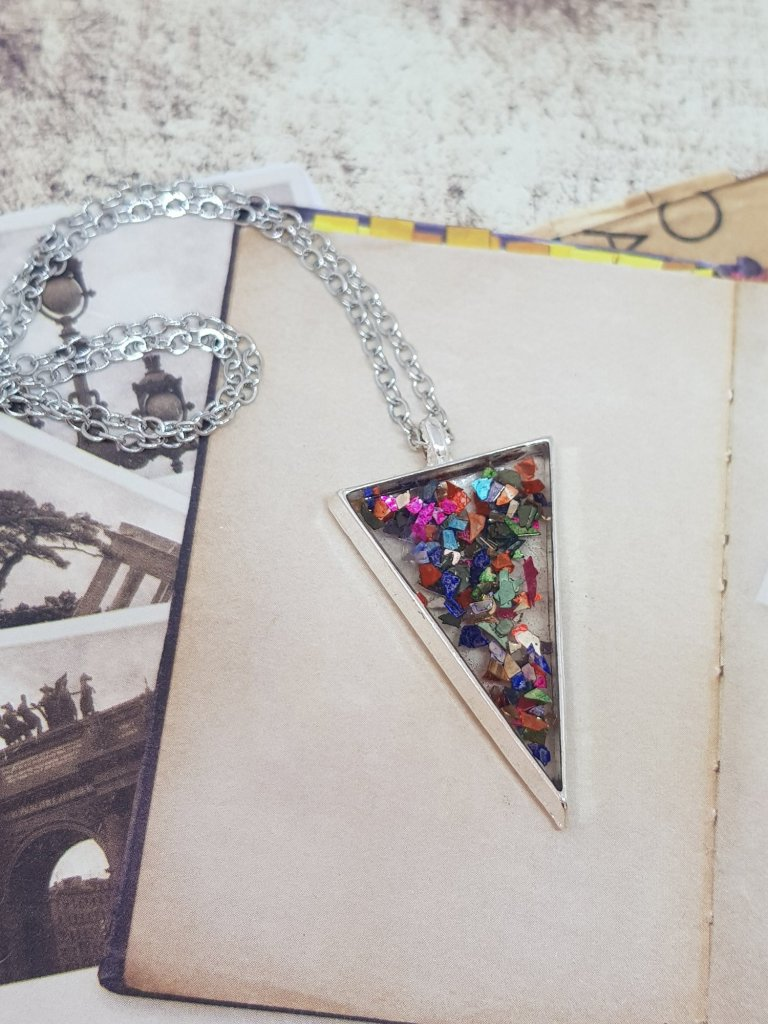 Resin and Rose triangular pendant