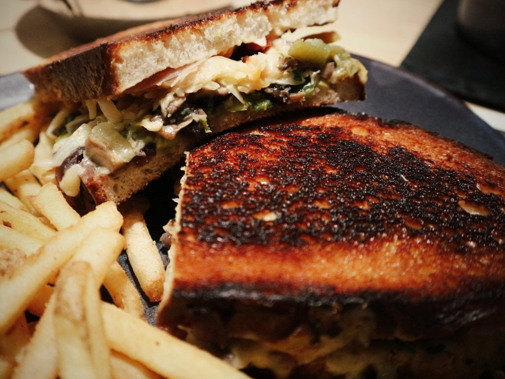 Flippin' veg med gourmet grilled cheese