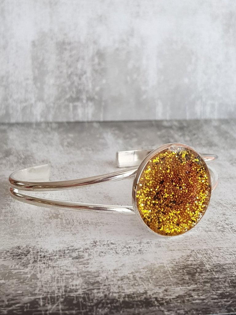 Resin and Rose adjustable bangle